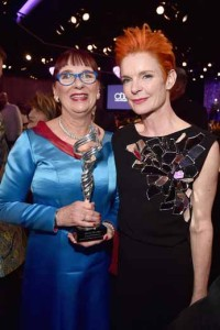 Honoree Edwina Pellikka (left) and costume designer Sandy Powell.