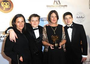 JoJo Whilden (3rd from left) & family