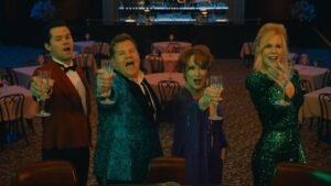 THE PROM (L to R) ANDREW RANNELLS as TRENT OLIVER, JAMES CORDEN as BARRY GLICKMAN, MERYL STREEP as DEE DEE ALLEN, NICOLE KIDMAN as ANGIE DICKINSON THE PROM. Cr. NETFLIX 2020